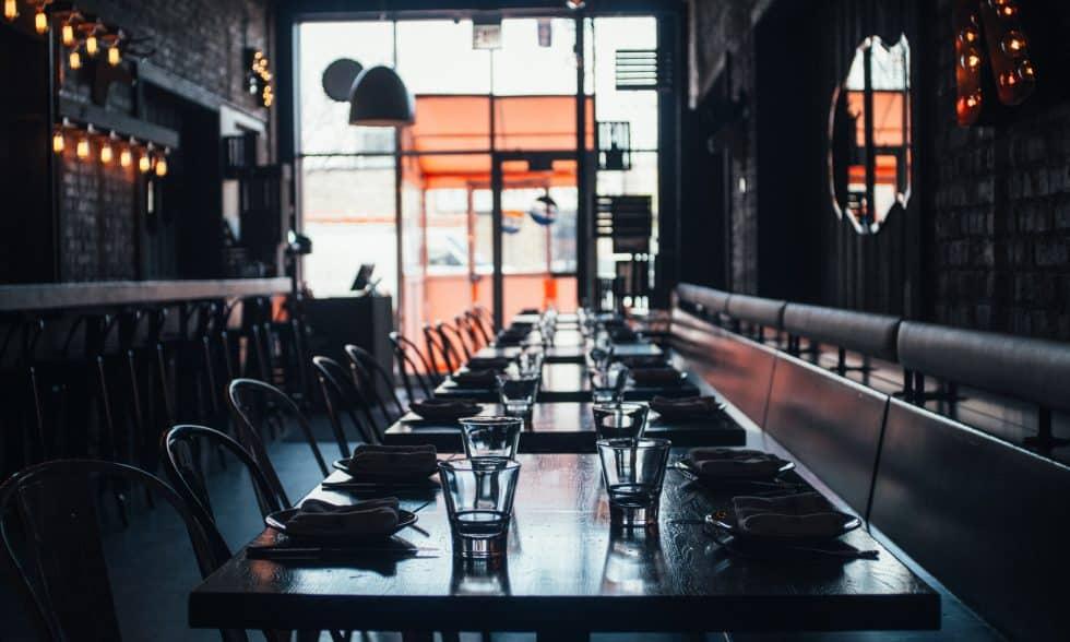 מסעדה ריקה במשבר הקורונה